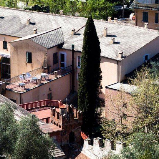 http://ospitalialevanto.com/wp-content/uploads/2019/04/panoramica-ostello-540x540.jpg
